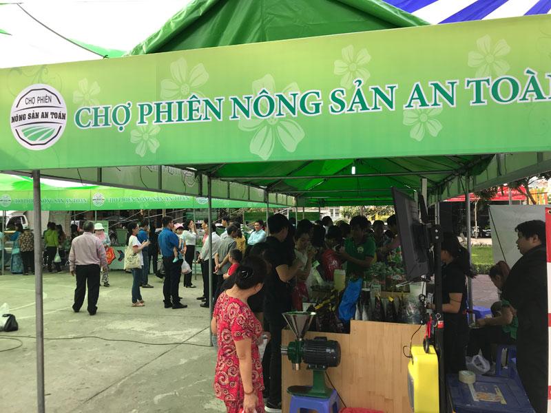 Khai mạc Chợ phiên Nông sản an toàn thành phố Hồ Chí Minh – Quận 6
