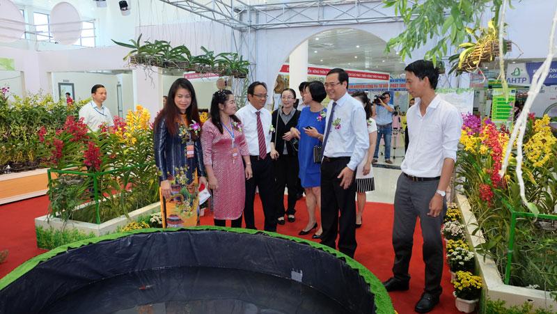 Khách tham quan Khu triển lãm nông nghiệp Thành phố Hồ Chí Minh