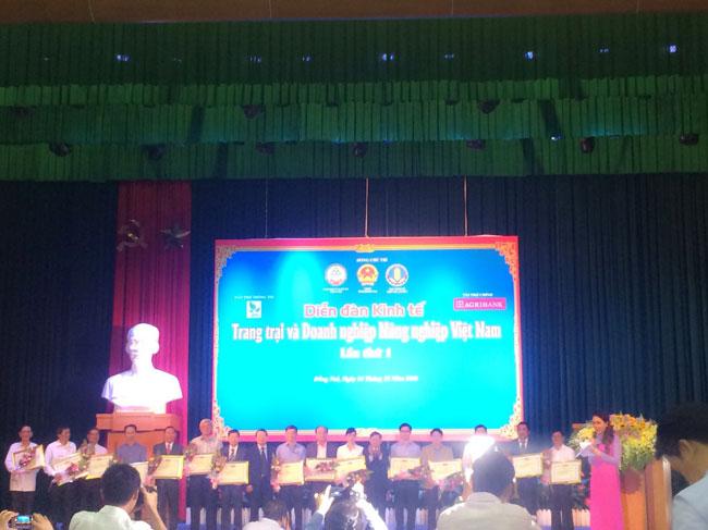 Diễn đàn kinh tế Trang trại và Doanh nghiệp nông nghiệp Việt Nam Lần 1