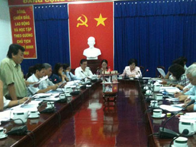 Phát triển mạng lưới bán lẻ và công tác chuẩn bị nguồn hàng cho dịp Tết Nguyên Đán năm 2012