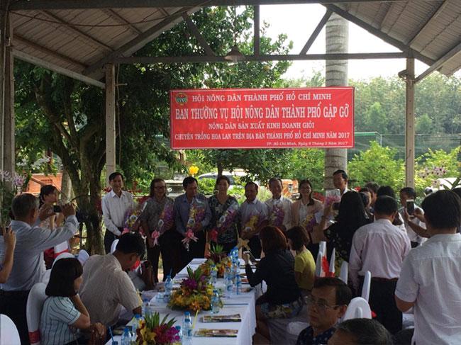 Hội Nông dân Thành phố gặp gỡ nông dân sản xuất - kinh doanh giỏi chuyên trồng lan trên địa bàn thành phố Hồ Chí Minh năm 2017
