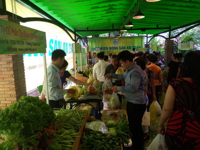 Chợ phiên Nông sản an toàn thành phố Hồ Chí Minh