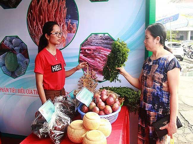 Hội chợ nông nghiệp công nghệ cao, nông sản an toàn các tỉnh miền Trung và sản phẩm xanh khu vực HTX, làng nghề tỉnh Nghệ An năm 2018